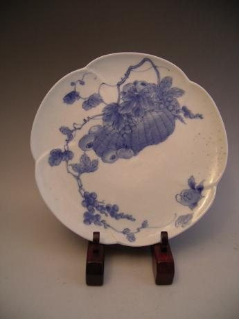 JAPANESE 19TH CENTURY HIRADO WARE PLATE<br><font color=red><b>SOLD</b></font>