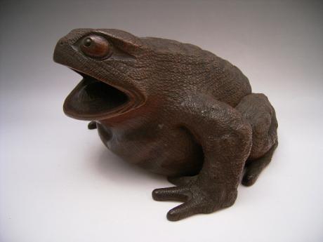 JAPANESE MEIJI PERIOD LARGE WOODEN CARVING OF FROG<br><font color=red><b>SOLD</b></font>