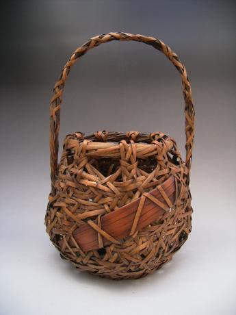 JAPANESE EARLY 20TH CENTURY BAMBOO BASKET, UNSIGNED