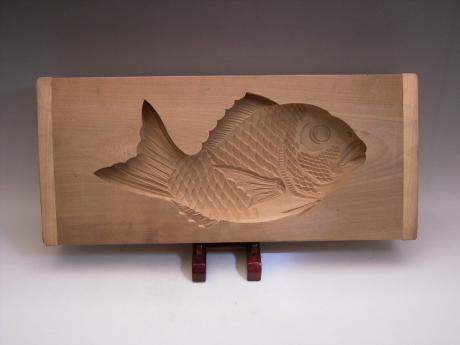 JAPANESE 20TH CENTURY WOODEN MOLD FOR OSHIMONO, JAPANESE RICE-FLOUR CAKES<br><font color=red><b>SOLD</b></font>