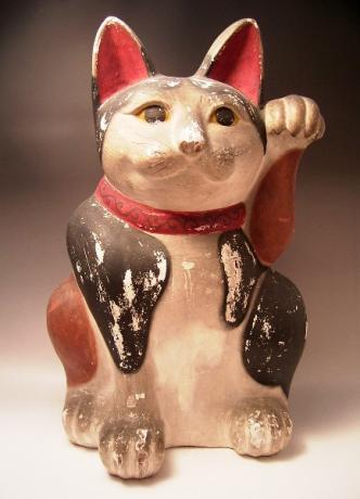 JAPANESE CIRCA 1900 LARGE FUSHIMI CAT<br><font color=red><b>SOLD</b></font>
