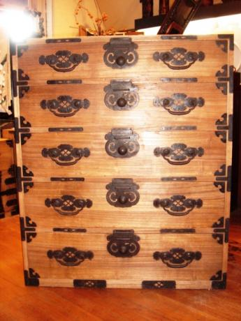 JAPANESE SINGLE KIRIWOOD MATSUMOTO TANSU CHEST<br><font color=red><b>SOLD</b></font>