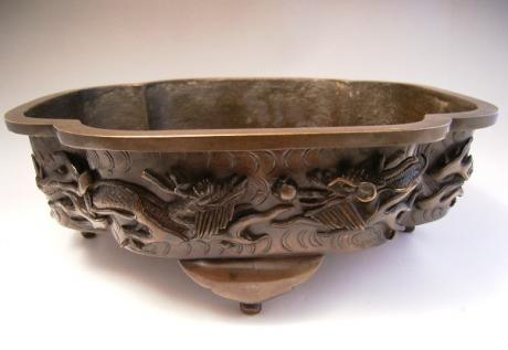 JAPANESE EARLY 20TH CENTURY LARGE BRONZE IKEBANA CONTAINER