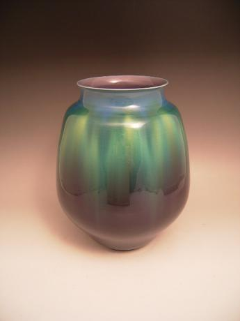 JAPANESE 20TH C. PORCELAIN  VASE BY LIVING NATIONAL TREASURE TOKUDA YASOKICHI III<br><font color=red><b>SOLD</b></font>