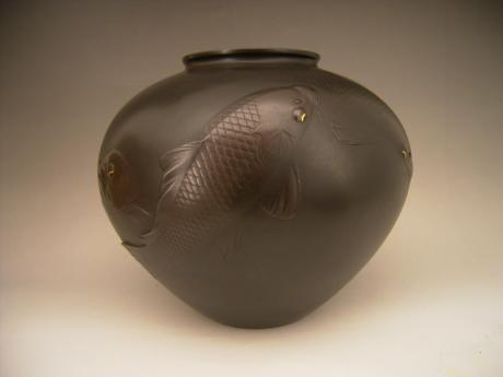 JAPANESE EARLY  20TH CENTURY BRONZE KOI CARP DESIGN VASE BY SHIHOU<br><font color=red><b>SOLD</b></font>