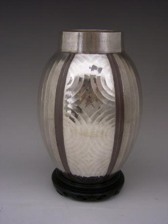 JAPANESE MID 20TH CENTURY SILVER VASE WITH HAMMERED DESIGN BY SHOBIDO<br><font color=red><b>SOLD</b></font>