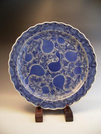 JAPANESE EARLY 19TH CENTURY BLUE AND WHITE GOURD DESIGN CHARGER<br><font color=red><b>SOLD</b></font>