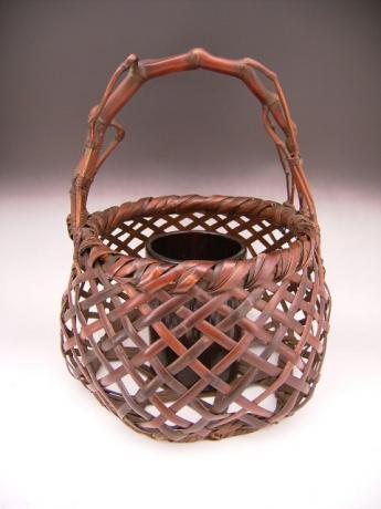 JAPANESE LNT ARTIST CHIKUBOSAI II 20TH CENTURY BAMBOO BASKET<br><font color=red><b>SOLD</b></font>