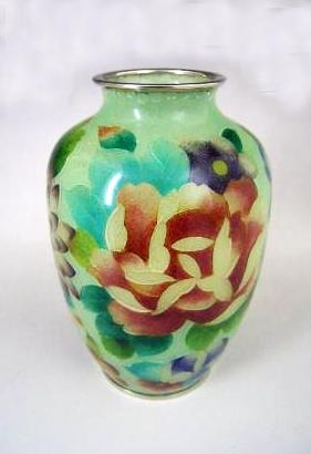 JAPANESE 20TH CENTURY PLIQUE A JOUR CLOISONNE FLOWER DESIGN VASE