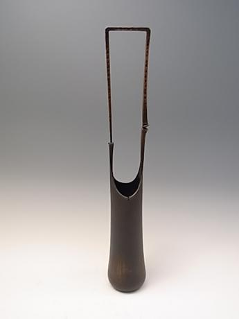 JAPANESE MID-LATE 20TH CENTURY BRONZE VASE BY UGAJIN BEIRYU<br><font color=red><b>SOLD</b></font>