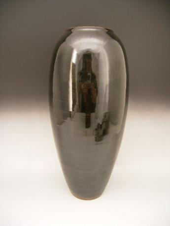 JAPANESE 20TH CENTURY PORCELAIN VASE BY INOUE RYOSAI<br><font color=red><b>SOLD</b></font>