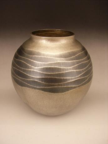 JAPANESE EARLY-MID 20TH CENTURY SILVER HAND HAMMERED VASE<br><font color=red><b>SOLD</b></font>