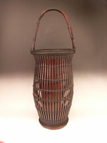 JAPANESE LATE 19TH TO EARLY 20TH CENTURY BAMBOO FLOWER BASKET BY CHIKUBOSAI I<br><font color=red><b>SOLD</b></font>