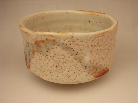 JAPANESE 20TH CENTURY TEA BOWL BY TUOZO HIGUCHI<br><font color=red><b>SOLD</b></font>